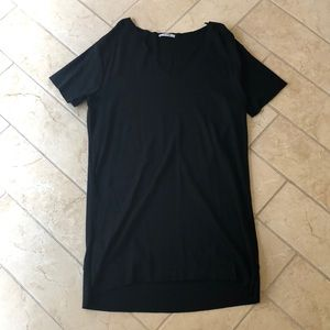 Black V-neck T-shirt Dress